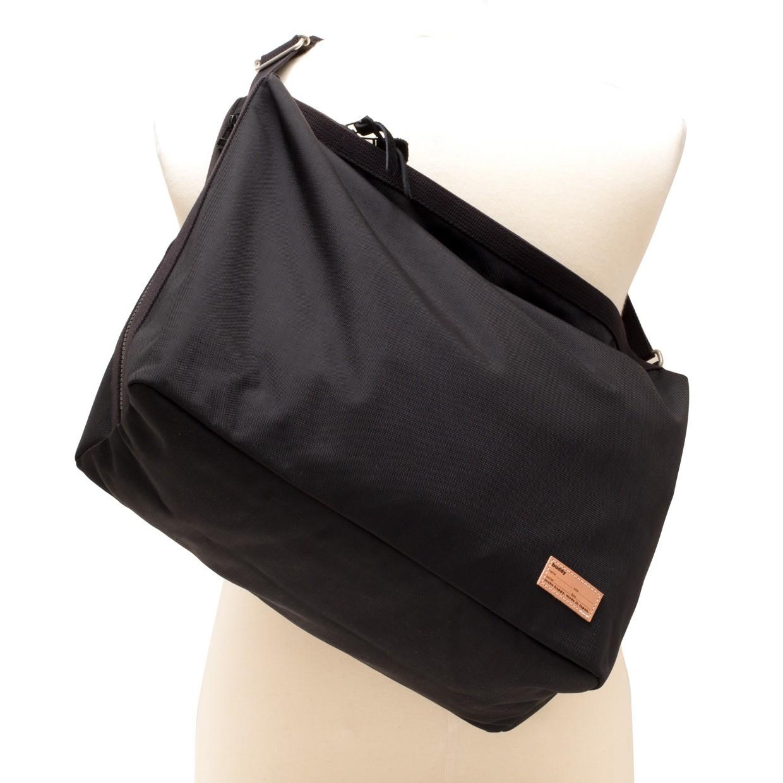 Fang Side Zip Shoulder Black