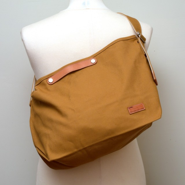 Tail Shoulder Bag Camel